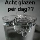 De mythe om acht glazen water per dag te drinken