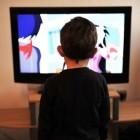 Jonge kinderen die veel tv kijken: slecht voor ontwikkeling
