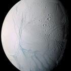 Het zonnestelsel: Enceladus (maan Saturnus)