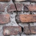 Scheuren in de muur, wat is er aan de hand?
