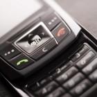 Een mobiele telefoon die je niet hoeft op te laden