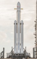 De Falcon Heavy. / Bron: SpaceX, Wikimedia Commons (CC0)